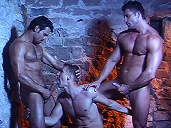 lucas-kazan-gay-sex-in-the-dungeon